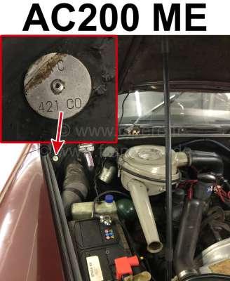 Citroen-2CV Typenschild Farbe: AC200 ME. Befestigt im Motorraum Citroen DS, 2CV.