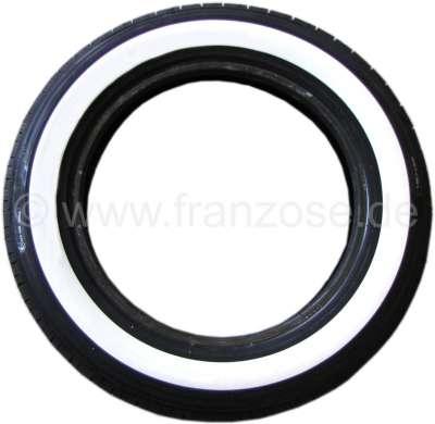 Citroen-2CV Reifen 135/15 mit 40mm Weißwand. Hersteller Michelin. Der Weißwand wird nachträglich aufvu