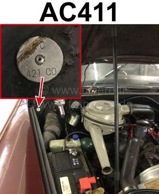 Citroen-DS-11CV-HY Typenschild Farbe: AC411. Befestigt im Motorraum Citroen DS