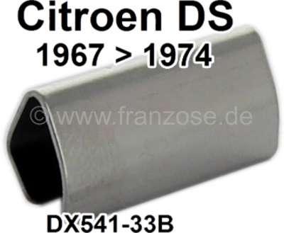 Citroen-DS-11CV-HY Scheinwerfer Zierleisten Verbindungsklammer. Passend für Citroen DS, ab Baujahr 1967. Per