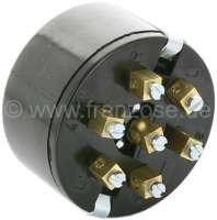 Blinkerschalter mechanisch, für den Einbau. Passend für Citroen 11CV + universal einsetzbar. Der Blinkerhebel hat ein integrierte Kontrollleuchte. Passende Glühlampe: 14425 /(12V) + 14282 (6V). Sockel = BA7s. Einsetzen der Glühlampe: Hebel erst herunterdrücken, Hebel heruntergedrückt nach links drehen, dann Hebel herausziehen und Glühlampe einsetzen! -1 - 60084 - Der Franzose