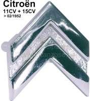 Citroen Emblem (Chevron) am Armaturenbrett. Passend für Citroen 11CV + 15CV, bis Baujahr 02/1952. Or. Nr. 802594. Abmessung: 38 x 40mm. Das Emblem kann auch universal verwendet werden. - 60160 - Der Franzose