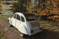 2CV alt, Rolldach dunkelrot-braun mit außenliegenden Verschluß. (Außenverschluss). Normale Heckscheibe. Made in France -1 - 17088 - Der Franzose