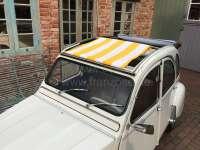 2CV, Sonnensegel gelb-weiß gestreift. Das Segel wird bei geöffneten Dach eingespannt! Die Ummantelung der mittleren Dachstrebe muss demontiert werden! Passend für Citroen 2CV. - 18199 - Der Franzose