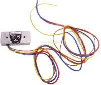 Lichtmaschinen Laderegler (Gleichstrom) 6 Volt. Masse (negativ) Geregelt. Dieser elektronischer Laderegler hat nahezu keinen Eigenverbrauch, dadurch hat Ihre Lichtmaschine ca. 10% Mehrleistung! Made in Germany. Achtung: Nur betreiben, mit angeschlossener Lichtmaschine! Polung der Batterie beachten! Regelspannung: 6 Volt. Reglerstrom max. 50 Ampere (kurzzeitig 90 A). Für Lichtmaschine mit negativen Massepotential, das elektrische Feld ist gegen Minus geregelt! Klemmenbezeichnung: Gelb = DF (Feldwicklung). Braun = Masse oder Batterie minus. Rot = 30/51 Batterie Plus. Blau = D+/61 (Dynamo Plus). Z.B. Citroen 2CV, bis Baujahr 1962. - 72806 - Der Franzose