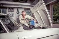 Motor%F6l+20%2F50+HTX+von+TOTAL%2Felf+%282+Liter+Blech+Dose%29.+Spezielles+Oldtimer%F6l+f%FCr+Benzinmotoren+ab+Baujahr+1950.+TOTAL%2Felf+ist+seit+mehr+als+50+Jahren+der+Erstausstatter+f%FCr+Citroen%2C+Peugeot+und+Renault.+Die+2+Liter+Dose+passt+in+die+Fahrzeughalterungen%2C+die+werksseitig+montiert+wurden+%28Citroen+DS%2C+fr%FChe+2CV....%29++++Alt%F6l+muss+nach+der+Alt%F6lverordnung+fachgerecht+entsorgt+werden.+Sie+k%F6nnen+das+Alt%F6l+bei+den+Alt%F6lsammelstellen+-die+zur+R%FCcknahme+verpflichtet+sind-+abgeben+und+von+dort+aus+wird+es+dann+dem+Recyclingsystem+zugef%FChrt.+Literpreis+%3D+10%2C99+Euro