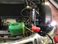 Ölabsaugpumpe 12 Volt. Optimal um den Hydraulikbehälter zu entleeren. Z.B Citroen DS, CX, GS usw.. Natürlich können auch andere Öle damit umgepumpt werden. Z.B Getriebeöl auffüllen, oder Hinterachsöl. Super praktisch. -2 - 20557 - Der Franzose