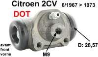 Radbremszylinder vorne, Bremssystem DOT. Passend für Citroen 2CV, von Baujahr 6/1967 bis 1973. Kolbendurchmesser: 28,57mm (1 1/8 Zoll). Bremsleitungsanschluß: M9 x 1,25. Or.Nr.: AY453-04. Made in Europe. - 13079 - Der Franzose