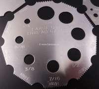 Gewindelehren, in einer neuen, simplen Form. Bestehend aus 4 Lehren aus Aluminium. Ermittlung von Durchmesser und Gewindesteigung, metrisch und zöllig imperial + US. Von Durchmesser 2,5-22mm (5/16>3/4). Gewindesteigung pitch 0,45 - 2,5mm. Da hat doch mal jemand eine wirklich gute Idee gehabt. -2 - 20509 - Der Franzose