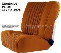 DS Pallas, Sitzbezüge vorne + hinten, Citroen DS Pallas 1974-1975, Farbe ocker gekettelt (gestreift, die Streifen haben ein Muster aus kleinen Quadraten, sogenannte Blockies) Hohe Rückenlehne ab 1965. Der Sitzbezug ist mittig in Pfeiffen abgesteppt (längsgenäht). Die Pfeiffen sind gemustert. (gekettelt-Blockies). - 38322 - Der Franzose