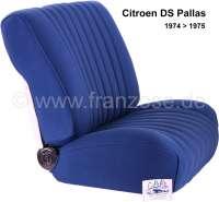 DS Pallas, Sitzbezüge vorne + hinten, Citroen DS Pallas 1974-1975, Farbe dunkelblau gekettelt (gestreift, die Streifen haben ein Muster aus kleine Quadraten, sogenannte Blockies). Hohe Rückenlehne ab 1965. Der Sitzbezug ist mittig in Pfeiffen abgesteppt (längsgenäht). Die Pfeiffen sind gemustert. (gekettelt-Blockies). - 38544 - Der Franzose