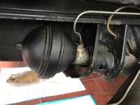Federkugel hinten, teilbar (geschraubt). Hydrauliksystem LHS. Im Austausch. Passend für Citroen DS. 700ccm. 26 Bar. Zuzüglich 100 Euro Altteilpfand. -1 - 32106 - Der Franzose