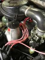 Zündkabelsatz, passend für Citroen DS (Vergaser Motor, ab Baujahr 1965) + Citroen HY, mit vorne montierten Zündverteiler. Der Zündkabelsatz wird mit passenden Zündkerzensteckern ausgeliefert. Made in France. -1 - 34037 - Der Franzose