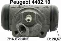P 203/403/404, Radbremszylinder hinten. Kolbendurchmesser: 28,57mm. Bremsleitungsanschluß: 7/16 x 20 UNF. Or. Nr. 4402.10. Bendix Nr. 621019.  Ankerplattenbohrung = 36 mm. Länge über alles = 72 mm. Passend für Peugeot 403 hinten links, bis 2757587 + 2819484. Peugeot 403 hinten rechts, ab 2757588, 2819485 (bei dem 403 wurde die Führung der Bremsleitung geändert). Peugeot 404 hinten rechts. - 74206 - Der Franzose