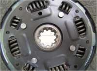 Mitnehmerscheibe, passend für Renault Alpine A310 + Renault R30. Durchmesser: 235mm (235 x 162 x 3,2mm). Anzahl Zähne: 10. Nabenprofil: 24,5x29 -1 - 82617 - Der Franzose