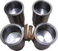 R4/R5/R6/R8/R10, Kolben + Zylinder (4 Stück). Passend für Renault Motor mit Hubraum: 1108ccm (34 bis 53 PS). Motor: 688/C1E. Bohrung: 70,0mm. Verdichtung: 9,5:1. Schaftmaß: 85,8mm (Motorblockbohrung). Kolbenbolzen: 18 x 62mm. Kolbenringe: 1,75 - 2,0 - 3,5mm. Passend für Renault R4 GTL, R4 F6, R5 TL + GTL, R6 TL, R8 Major/S, R10, Estafette. Aussendurchmesser unten: 75,44mm. Aussendurchmesser oben: 85,80mm. Höhe gesamt: 135,0mm. - 81037 - Der Franzose