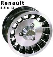 Felge Alpine Design. Größe: 5,5 x 13. Einpresstiefe: 25. Lochkreis: 3 x 130. Diese Felge im Alpine Design, schwarz mit glanzgedrehter Front und Felgenbett, passt auf Vorder- und Hinterachse. Nabenkappe wird mitgeliefert. Karosseriemodifikationen nicht nötig. Die Felge wird mit Teilegutachten für den Renault R4, R6 und alle R5 Modelle geliefert. Reifenempfehlung: 155/70-13. Bei dem Renault R4 mit Girling Bremssattel, muss unbedingt auf die Freigängigkeit zur Felge geachtet werden (oder auf Bendix umgebaut werden) - 83369 - Der Franzose