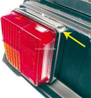Tail lamp base lining from polished high-grade steel. Very simple mounting. 2 fittings. Only suitable for Seima lights. Suitable for Citroen 2CV6. Made in Germany. - 16871 - Der Franzose