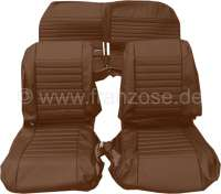 Covering AMI8 in front + rear. Suitable for 2 single seats in front (with map bag) + 1x seat bench rear. Material: Vinyl. Color: brown. Suitable only for Citroen AMI8. - 18602 - Der Franzose