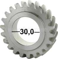Crankshaft gear wheel narrowly, for Citroen AMI8 + 2CV6. 22 teeth. Gear-wide: 13,6mm. Wide one completely: 15,6mm.
