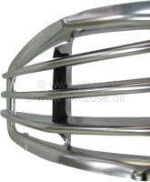 2CV, Radiator grill from aluminum, Design 3 bar. Suitable for Citroen 2CV starting from year of construction 1961. This radiator grill is installed from 1967 to 9/1974. It is a good reproduction. The material is heavier and the center web is from rubber. -2 - 16296 - Der Franzose