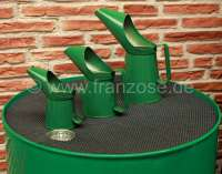 Oil cans set out of sheet metal (3 item). Color: green. Holding capacity: 1/2 pint (0.28 liters). 1 pint (0.5683 liters), 2 pint (1.13 liters). -2 - 21060 - Der Franzose