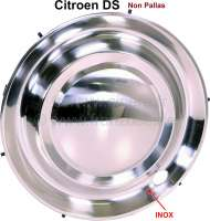 Wheel cover from stainless steel, suitable for Citroen DS Non Pallas. 15 inch diameter. This wheel cover covers the complete rim. - 33134 - Der Franzose