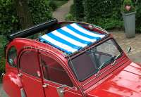 Suns sail (Awning) blue-white streaked. The sail is gripped by opened roof! The shroud of the medium roof strut must be dismantled! Suitable for Citroen 2CV.   18410   Der Franzose - www.franzose.de
