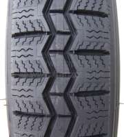 Tire 125/15, manufacturer Michelin. The Michelin tire is the most expensive tire for the Citroen 2CV, in addition, the best summer tire! Note: Air pressure 2CV: In front 1.4 bar! Rear: 1,8 bar! -2 - 12081 - Der Franzose