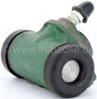 Wheel brake cylinder rear, brake system LHM. Suitable for Citroen Dyane, AMI8. Piston diameter: 16,0mm. Brake line connector: 10,0mm. A very rare wheel brake cylinder! Made in Spain. -2 - 13190 - Der Franzose