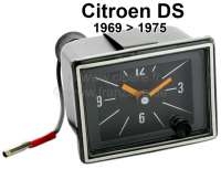 Clock (optical like original). Suitable for Citroen DS, starting from year of construction 1969. The clock is electronic. Through push on the button, updates themselves the time automatically. Or. No. DX521-314A | 35627 | Der Franzose - www.franzose.de