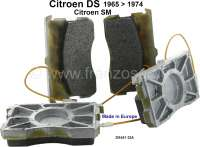 Brake pads in front, suitable for Citroen DS, starting from year of construction 1965. Citroen SM, all years of construction. High quality. The brake pads have like original, cooling radiators on the rear side! Or. No. DX451-32A | 33001 | Der Franzose - www.franzose.de
