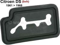Gear shift lever sealing rubber in the steering column cover. Suitable for Citroen DS with semiautomatic gearbox. Installed, of year of construction 1961 to 1968. - 38039 - Der Franzose