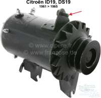 Alternator, in exchange (12 volt direct current). Suitable for Citroen ID19 + DS19, from model year 1961 to 1965 (engine with 3 crankshaft bearings, with M7 stud bolt for the alternator tensioning device). Plus 250 Euro deposit for old parts. - 32545 - Der Franzose