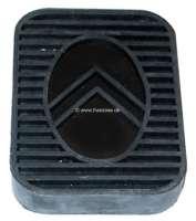 Pedal rubber suitable for brake pedal + clutch pedal. Citroen 11CV/15CV. Dimension: 82.5 x 61 x 13mm. Or. No. 540983 - 60473 - Der Franzose