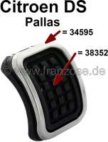 Pedal rubber for the parking brake. Suitable for Citroen DS Pallas. The pedal rubber is napped. External dimensions: ca.73x49. Good reproduction. Without metal frames! Or. No. 5420552U - 38352 - Der Franzose