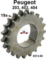 Camshaft drive chain gear wheel, 19 teeth. Suitable for Peugeot 203, 403, 404. Inside diameter: 30,0mm. Or. No. 0513.06 - 70831 - Der Franzose