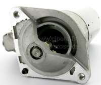 Starter motor, suitable for Peugeot 504 V6 (2,7L). Peugeot 604 2,7 (SL, TI, STI). 604 2,8 GTI. Peugeot 505 2,8 GTI V6. 12 Volt. Teeth: 9. Mounting holes: 3. Direction of rotation: In the clockwise direction. Flange diameter: 82mm. The starter motor is a new part. An old part return is not necessary! -1 - 73000 - Der Franzose