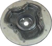 P 404/504, spring plate in front. Diameter 165mm. Suitable for Peugeot 404 + 504. Per piece -1 - 73075 - Der Franzose