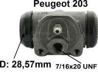 P 203/Simca, wheel brake cylinder in front. Piston diameter: 28,57mm (1 1/8 inch). Suitable for Peugeot 203 + Simca Aronde. Brake line connector: 7/16x20 UNF. Mounting board bore: 36 mm. Length over everything: 67 mm. Or. No. 4401.07. Made in Spain. - 72147 - Der Franzose