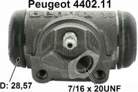 P 203/403/404, wheel brake cylinder rear. Piston diameter: 28,57mm. Brake line connector: 7/16 x 24 UNF. Or. No. 4402.11. Bendix No. 621019.  Mounting board bore = 36 mm. Length over everything = 72 mm. Suitable for Peugeot 403 at the rear left, starting from 2757588, 2819485. Peugeot 403 rear on the right, starting from 2757587, 2819484 (with that 403 the mounting of the brake line was changed). Peugeot 404 at the rear left. - 74205 - Der Franzose