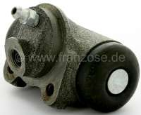 P 403/404/Simca, wheel brake cylinder rear. Suitable for Peugeot 403, of year of construction 5/1958 to 1965. Peugeot 404 to year of construction 10/1965. Simca Aronde. Piston diameter: 25,4mm. Brake line connector: 3/8 x 24 UNF. Mounting board bore: 36mm. Length over everything: 72mm. Or.Nr. 440215. Made in Europe. -1 - 74162 - Der Franzose