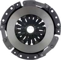 Pressure plate 160mm, in the exchange (plus 250 Euro Old part deposit). Suitable for various Renault with rear engine (Dauphine, Floride, Caravelle, R8.). Distance of the centering bolts: 168mm (measured in the triangle). Distance of the fixing bolts: 50mm. Check disk inside diameter: 26mm. There are suitable clutch disks with 10 or 20 teeth. Or. No. 8547585 + 8547585 99 -1 - 82196 - Der Franzose