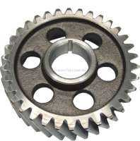 R4, Camshaft gear wheel (steel). Suitable for Renault R4 (early years of construction). Engine: 680-02 to engine number 363854. Engine: 800-01 to engine number 207836. 34 teeth. Inside diameter: 28mm. Outside diameter: 99,9mm. - 81266 - Der Franzose