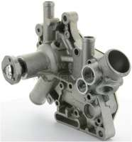 Water pump Renault R4. Suitable for R4 GTL (R112C). Engine C1C08. R4 (R1128), engine CIE14. Year of construction 1978 to 1986. R4 1.0 TL, of year of construction 1986 to 1990. -1 - 82030 - Der Franzose