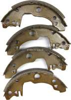 Brake shoes rear (1 set). Brake system: Bendix. Suitable for Renault R4, R5 (starting from year of construction 09/1977). Drum diameter: 180mm. Lining-wide: 32mm. Reproduction. - 84041 - Der Franzose
