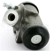 R4/R5, wheel brake cylinder, front on the left. Brake system: Bendix. Suitable for Renault R4 (R1123, R1126, R1129), of year of construction 7/1966 to 1985. R4 Fougnette, of year of construction 7/1966 to 1986. Renault R5, of year of construction 1972 to 1984. Piston diameter: 23,8mm. Brake line connector: 3/8 x 24UNF. Mounting board bore: 32mm. Length over everything: 73mm. Made in Europe. -1 - 84125 - Der Franzose