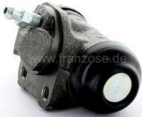 Wheel brake cylinder at the rear left. Brake system Bendix. Piston diameter: 22,22mm. Brake line connector: M10x1. Note: The distance of the fixing holes (threads) is only 25mm! Mounting board bore: 32mm. Suitable for Peugeot 309. Renault Fuego, R5, Super 5, R9, R11, R18, R21. Made in Europe. -1 - 74623 - Der Franzose