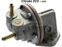 pompe à essence avec tube d'arrivée horizontal, 2CV avant 1970, uniquement disponible sans le levier de pompe manuelle. | 10029 | Der Franzose - www.franzose.de